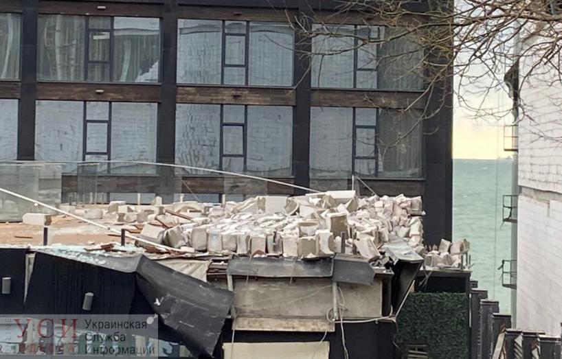 На отель М1 обрушилась стена строящегося корпуса «Немо»: Кисловский винит катаклизм и строительную компанию (видео) «фото»