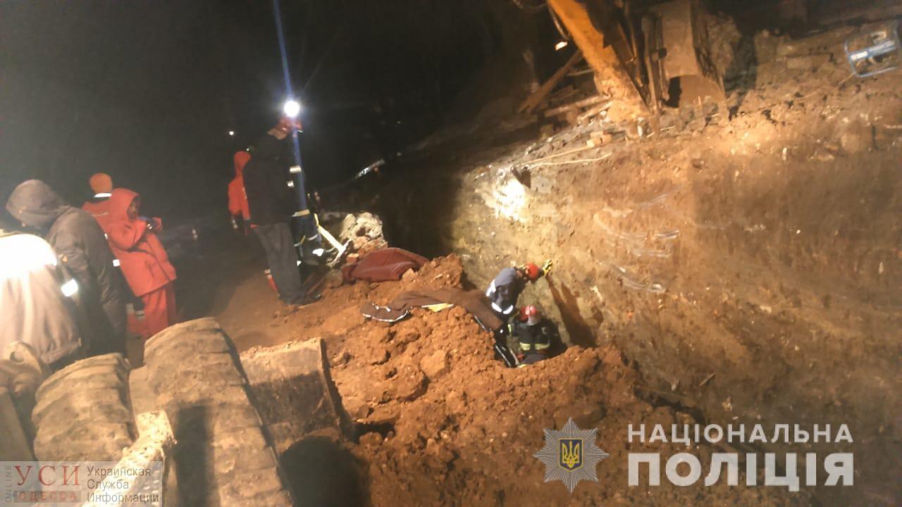 Житель Одесской области погиб на стройке в Тернополе: его завалило землей в траншее (фото) «фото»