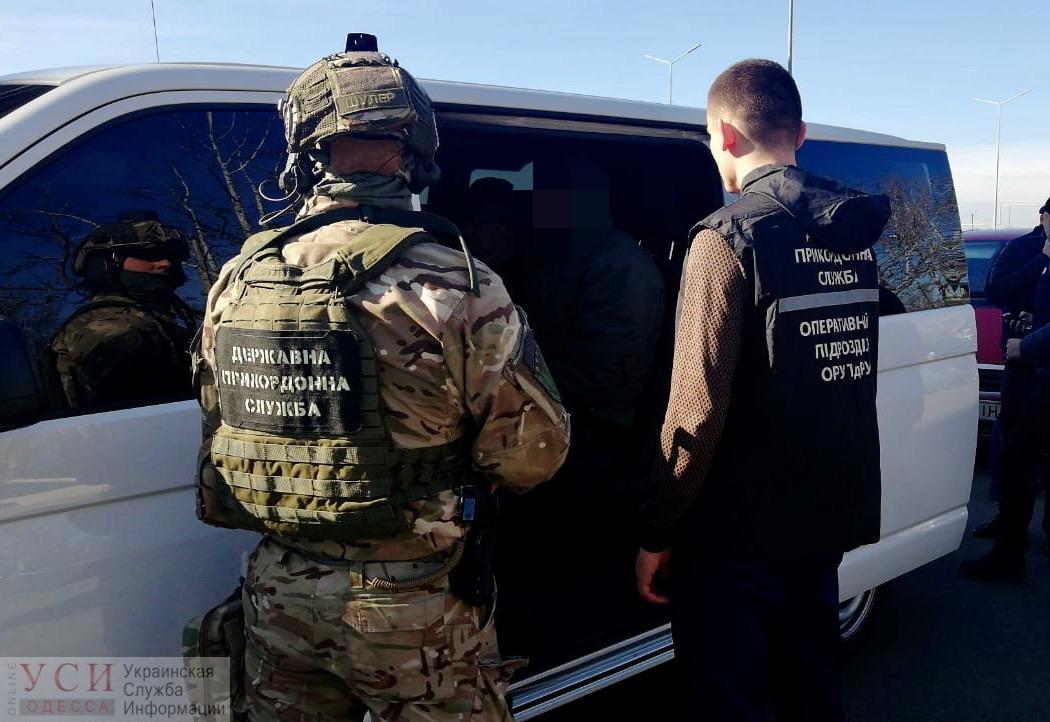 В Одессе задержали двух мужчин, отправлявших украинок в секс-рабство в Германию (фото) «фото»