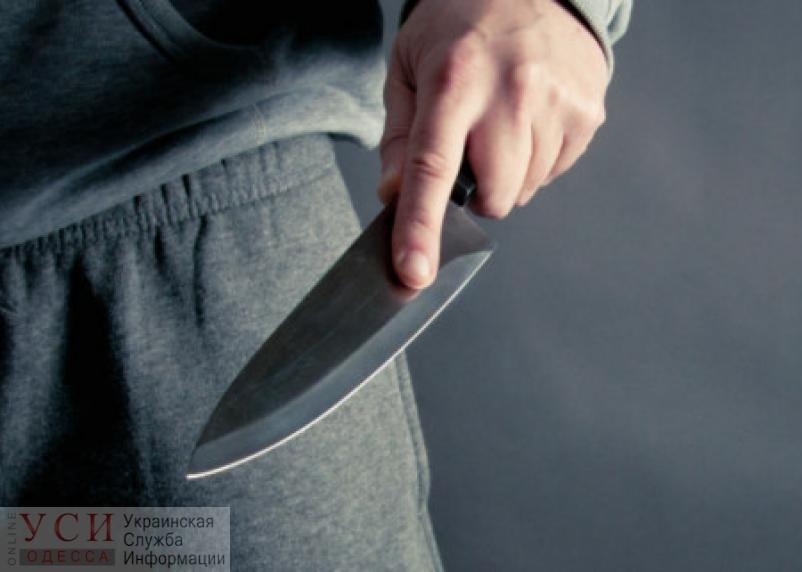 Поножовщина в магазине: один из участников ранен «фото»