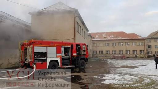 В Одесской области загорелась школа (фото) «фото»