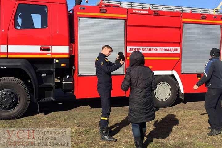 Под Одессой щенок провалился в глубокую яму: спасатели вытащили его из западни (фото, видео) «фото»