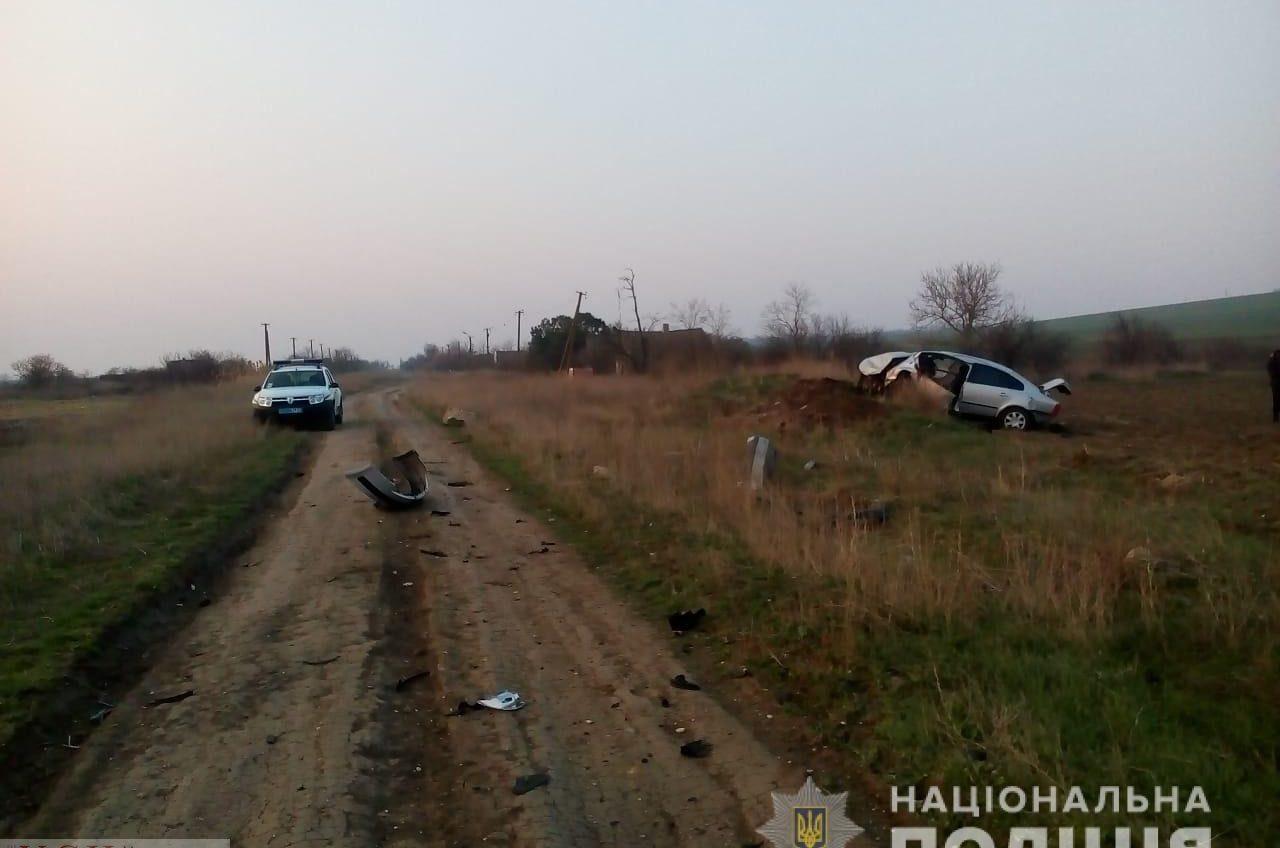 Смертельное ДТП в Одесской области: водитель влетел в бетонные блоки «фото»
