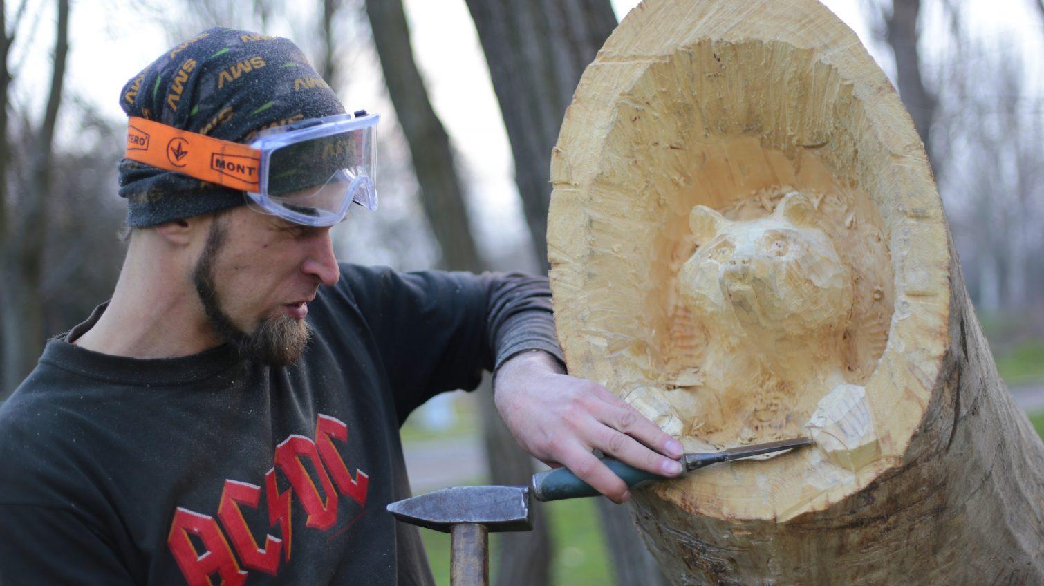 Бензопилой и топором: одессит делает скульптуры из сухих деревьев (фоторепортаж, видео) «фото»