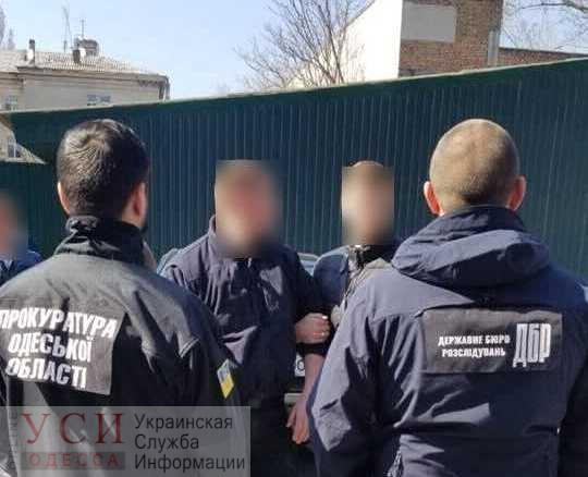 Одесский офицер полиции требовал от торговца взятку за непривлечение к админответственности (фото) «фото»