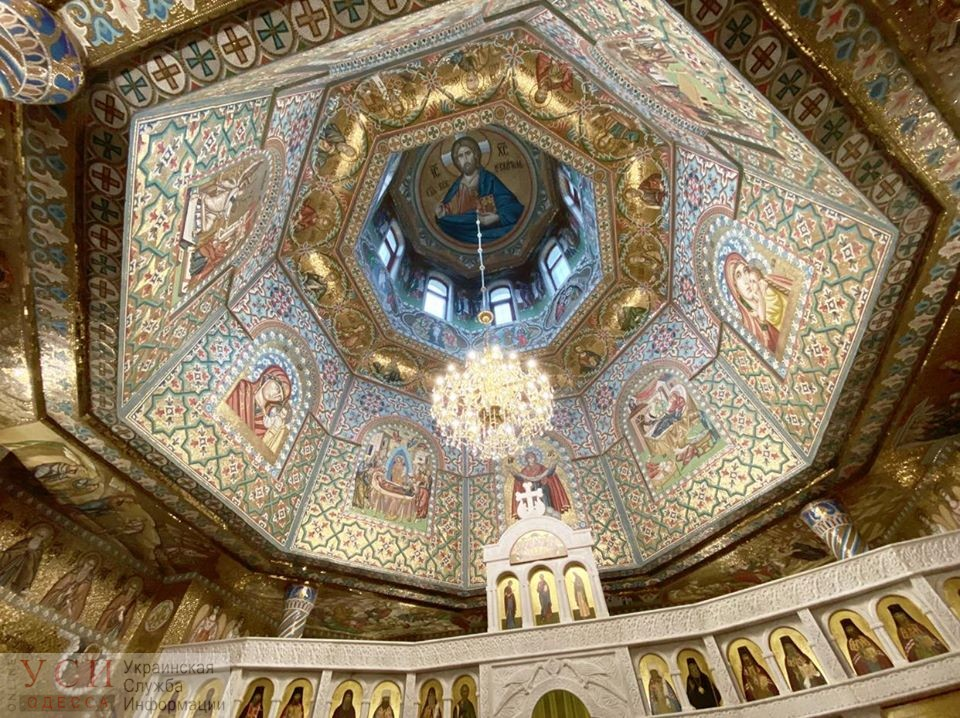 В церкви Московского патриархата запускают не больше 10 прихожан (трансляция) «фото»
