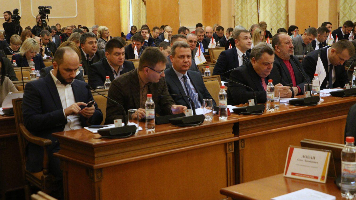 Не спешат отчитываться: меньше половины депутатов Одесского горсовета рассказали избирателям, что сделали за год «фото»