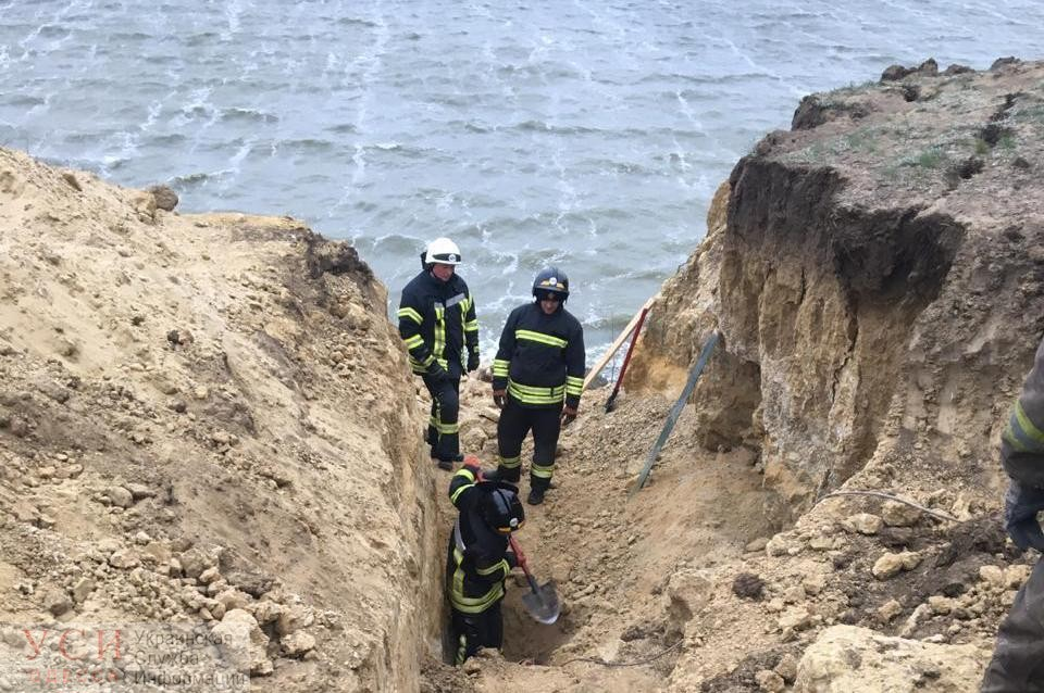 На Хаджибейском лимане произошел оползень: погибли два человека (фото) «фото»