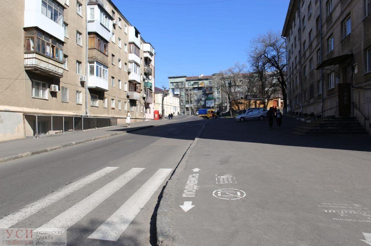 Перенесли на вторую половину года: часть улицы Пишоновской так и не стала односторонней (фотофакт) «фото»