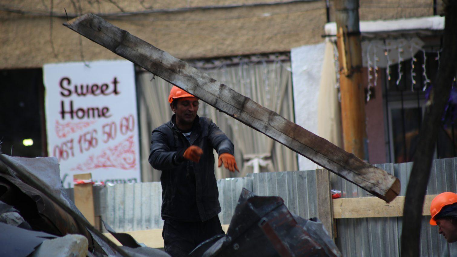 Рухнувшую часть здания-памятника в центре Одессы будут восстанавливать (фоторепортаж) «фото»