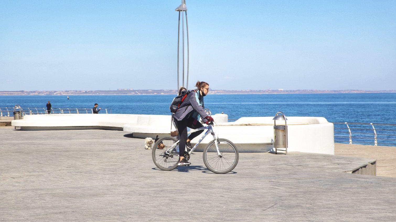 «Карантинные будни Одессы»: море, свадьбы и работа (фоторепортаж, таймлапс) «фото»