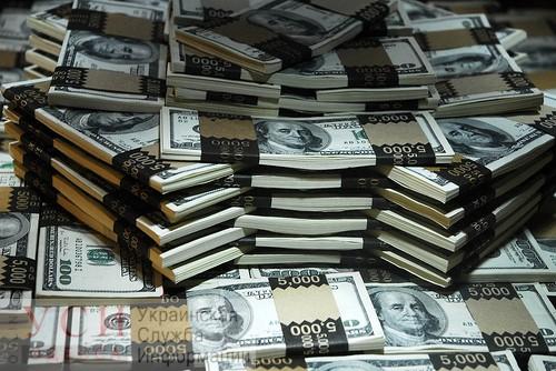 Афера на 100 тысяч долларов: одесские мошенники продавали за границу несуществующие маски «фото»