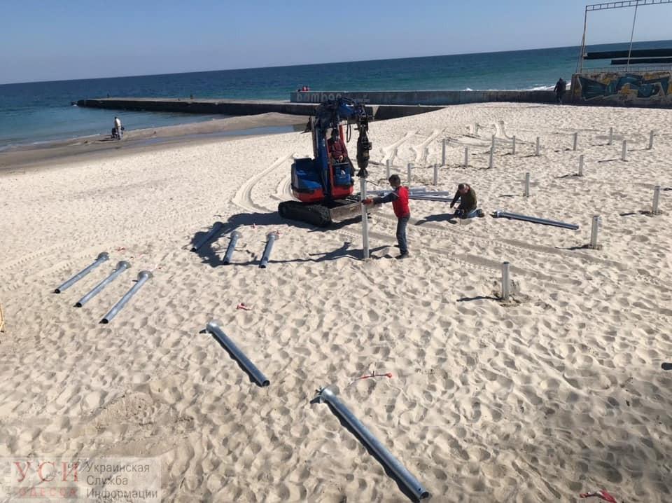 На 16 Фонтана активно начали застраивать пляж: застройщик сопротивляется и не хочет демонтировать (обновлено) «фото»