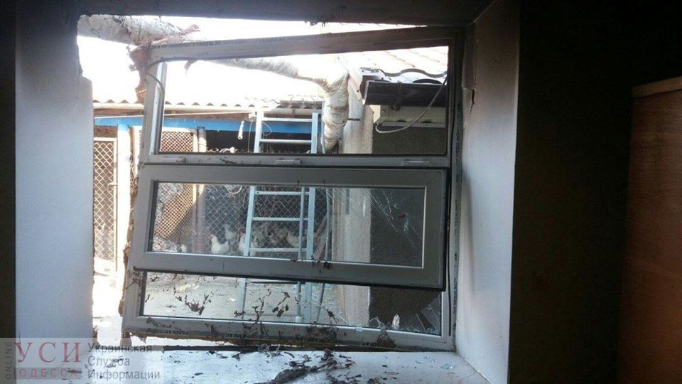 В частном доме вспыхнул газ: двое попали в больницу, выбито окно «фото»