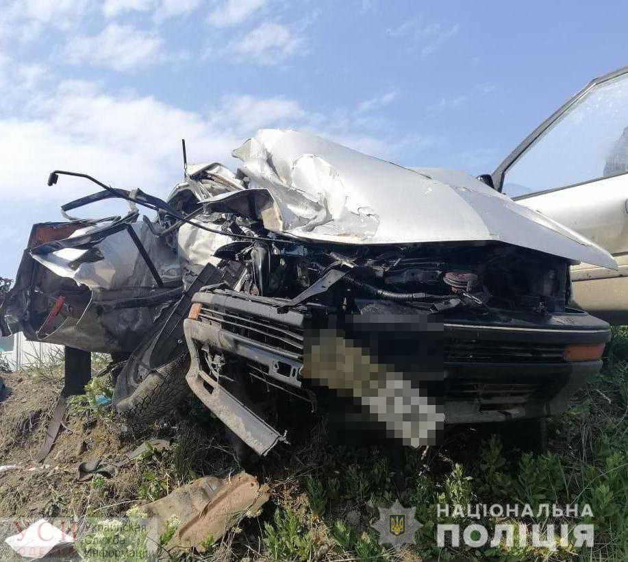 Под Одессой фура не поделила дорогу с легковушкой: есть погибший (фото) «фото»