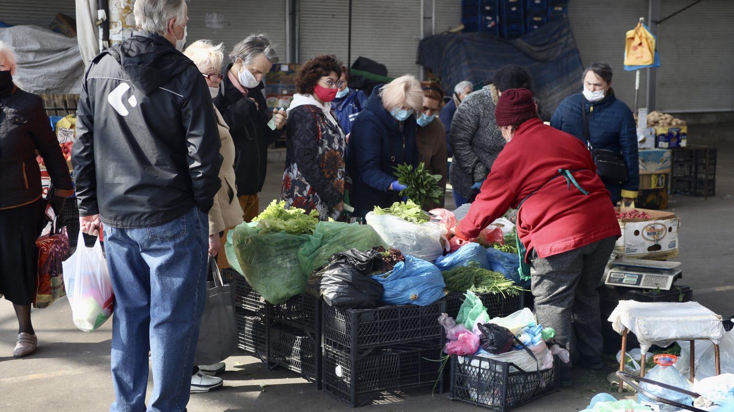 В Одессе оперативно закрыли рынки и кладбища после угроз от Офиса президента «фото»