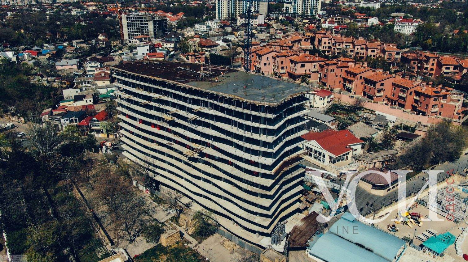 Суд остановил строительство высотки «Аura Apart» на 16-й Фонтана (видео, аэросъемка) «фото»