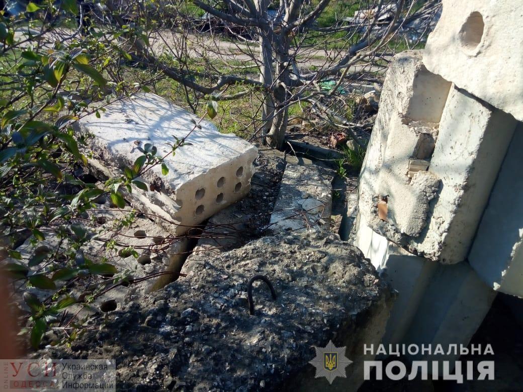 В Одесской области пострадали дети: двоих мальчиков привалило бетонными плитами (фото) «фото»
