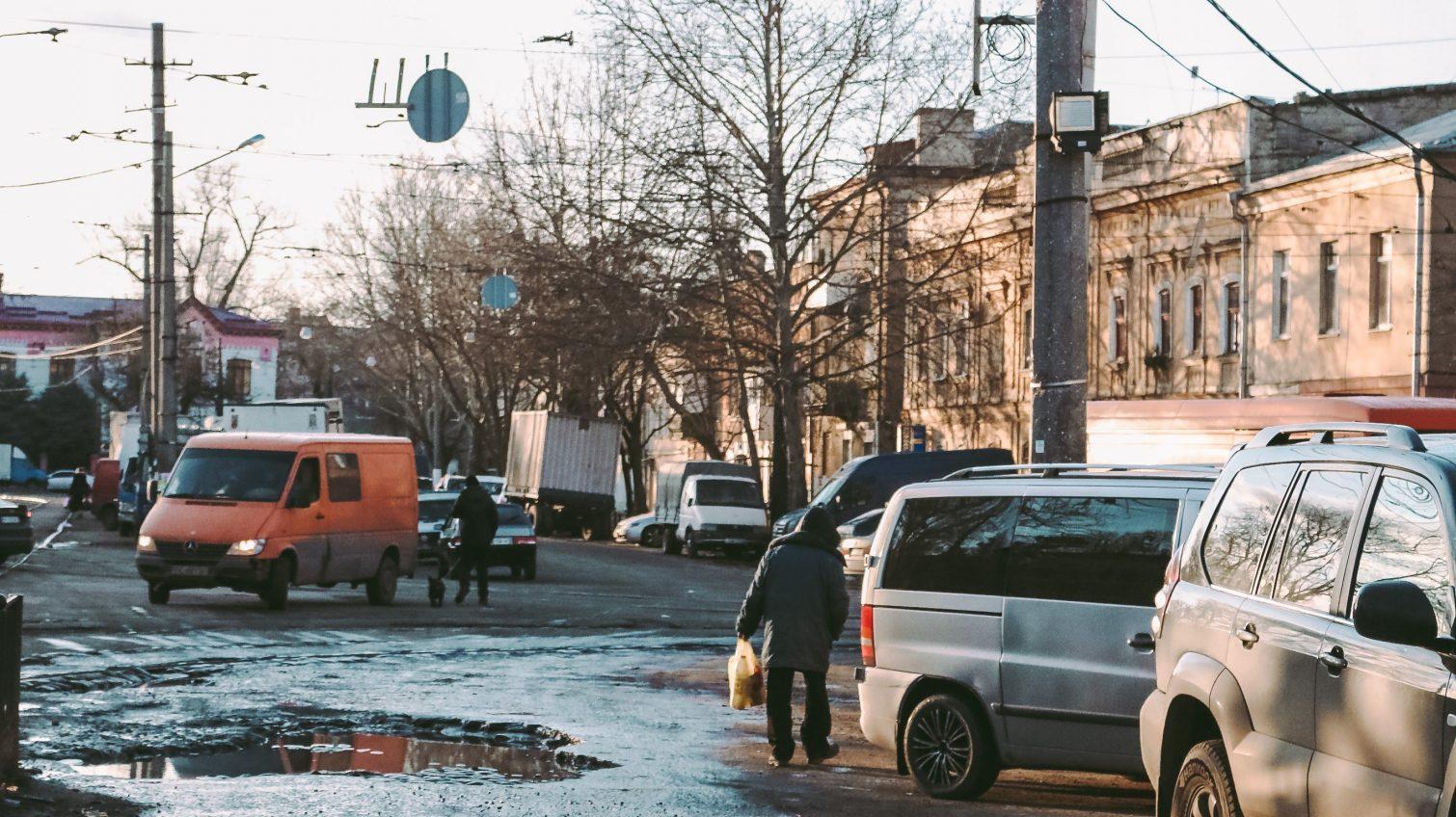 «Ростдорстрой» выигрывает у турков скандальный тендер на ремонт Новощепного ряда «фото»