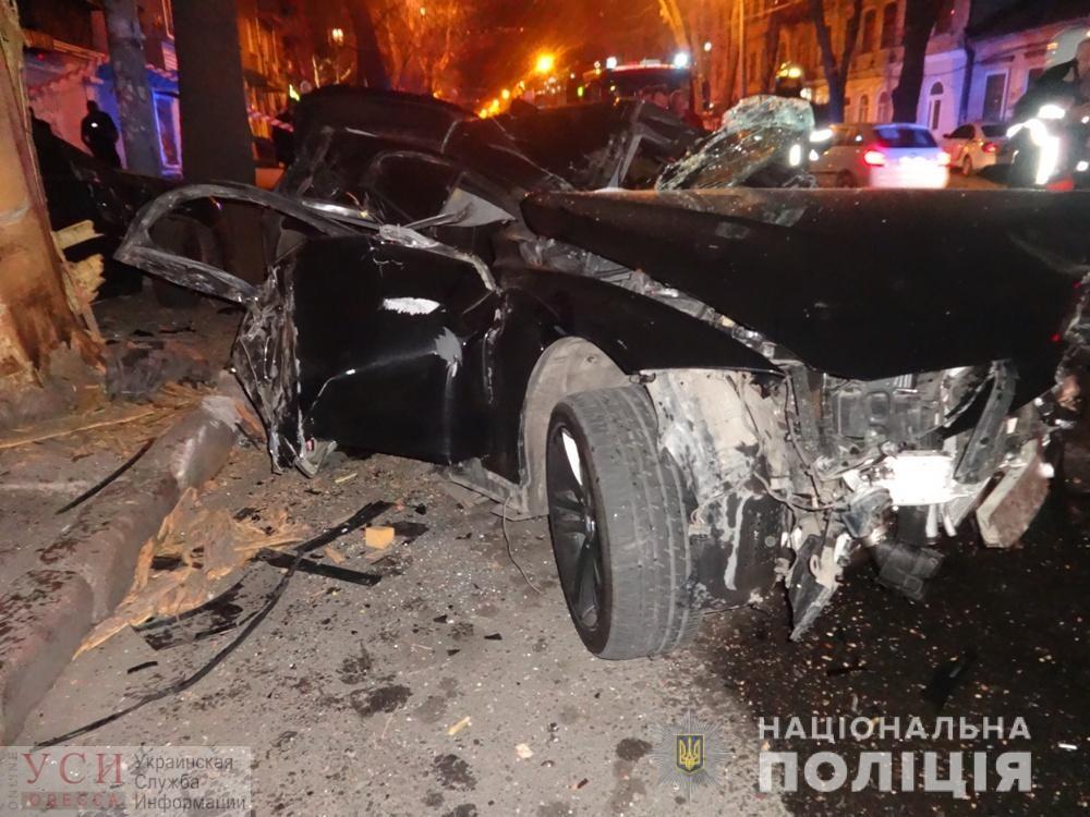 Авария в центре Одессы: машина разбита полностью (фото, видео) ОБНОВЛЕНО «фото»