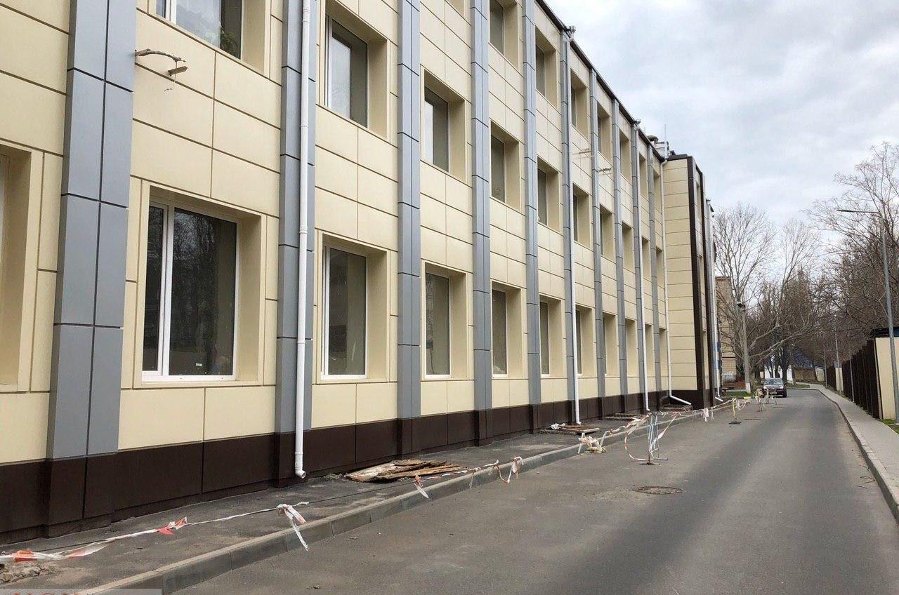 Все для своих: в Одессе активно пополняют оборудованием больницу, которая не принимает пациентов с COVID-19 (фото, документ) «фото»