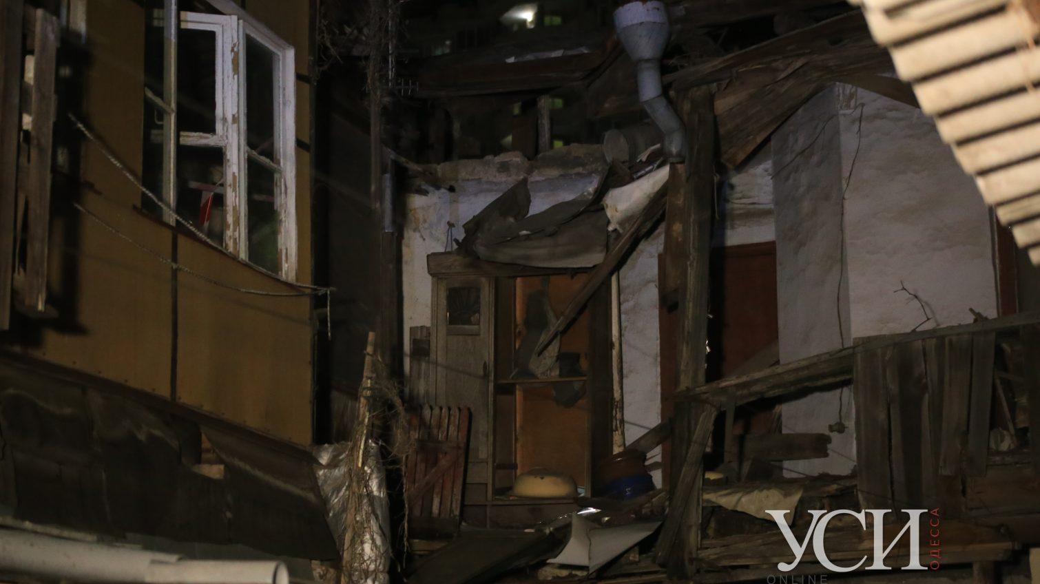 Одесса разрушается: на Среднефонтанской обвалилась часть дома (фото, видео) ОБНОВЛЕНО «фото»