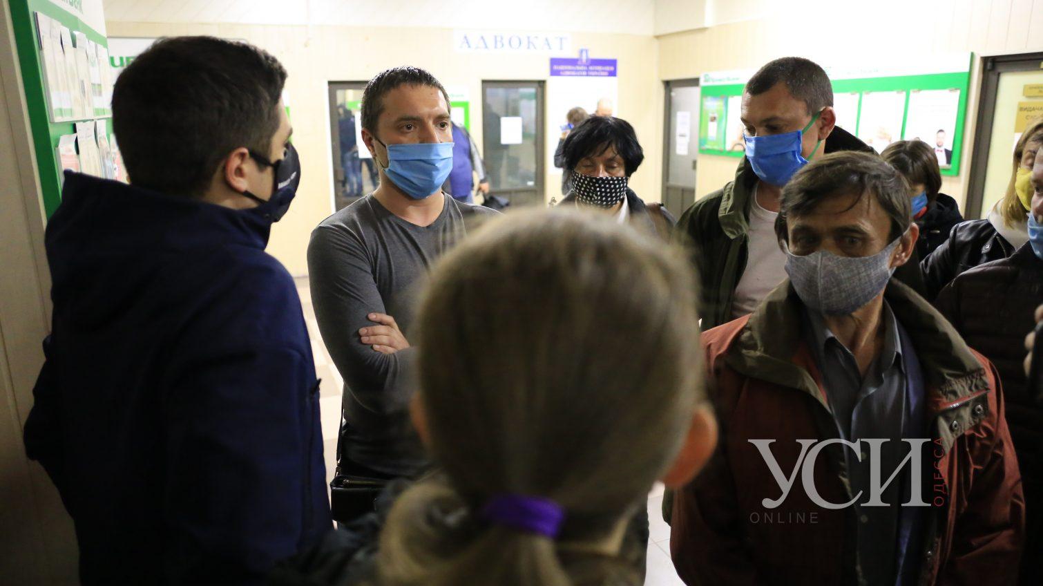 Суд по делу Хаецкого: адвокаты требуют выпустить его из СИЗО, а прокуроры говорят об угрозе выезда за границу (фото) «фото»
