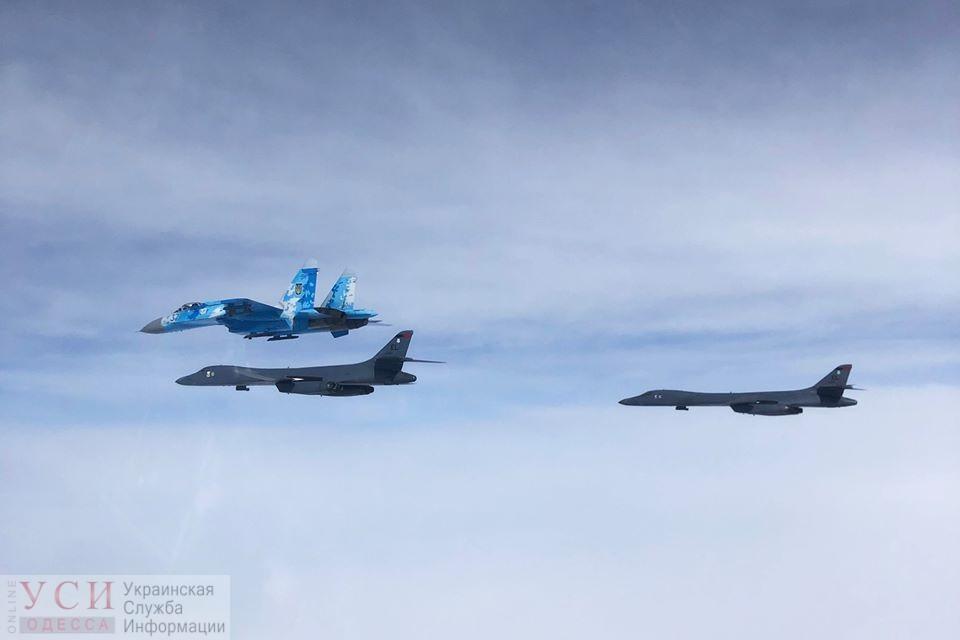 Стратегические бомбардировщики ВВС США пролетели над Одесской областью (фото) «фото»