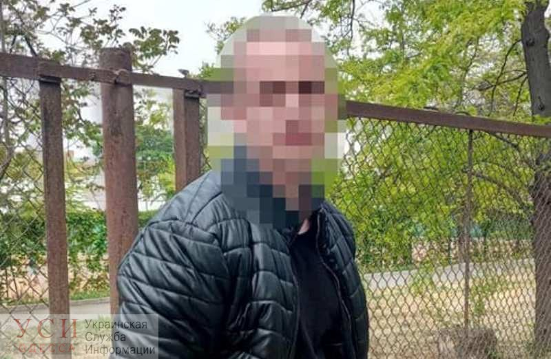 Одесситку обокрал знакомый в Курортном переулке: его задержали (фото) «фото»