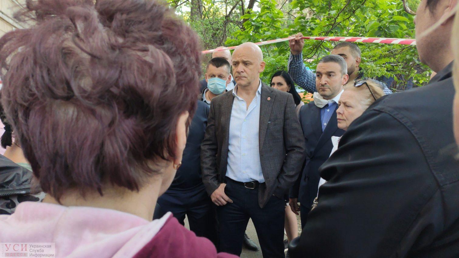 Труханов намекнул, что в обрушении дома на Торговой могут быть виноваты одесситы «фото»