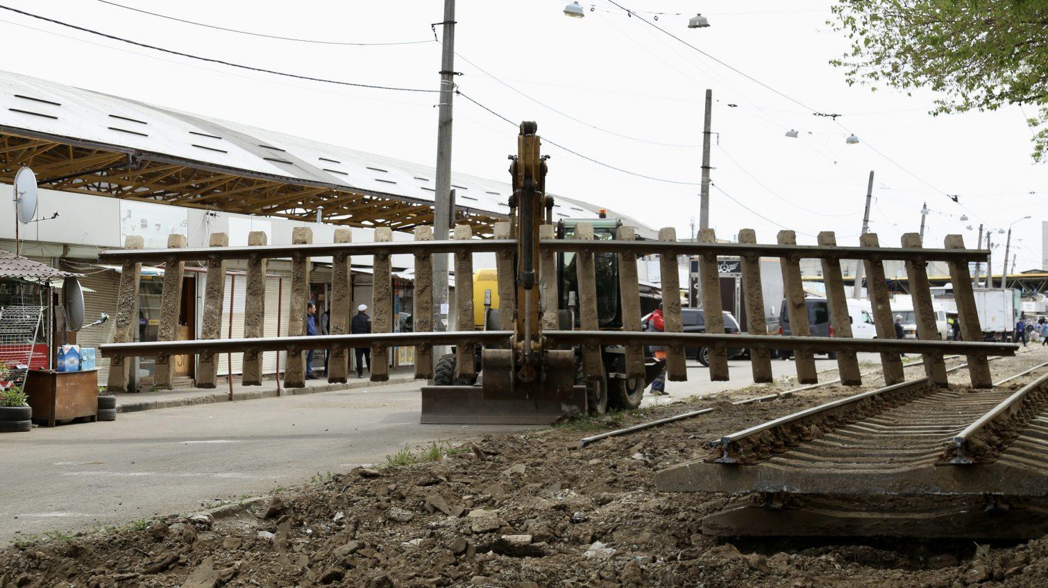 Перекрытие Новощепного ряда: как неспешно проходит ремонт у Привоза (фоторепортаж) «фото»
