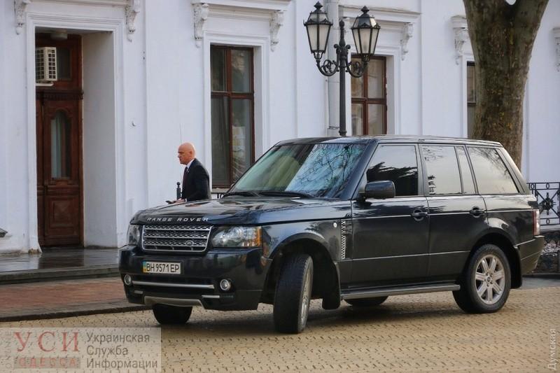 Автопарк мэрии: Труханов взял машину у дочки, а самые дорогие авто — у департамента ЖКХ «фото»
