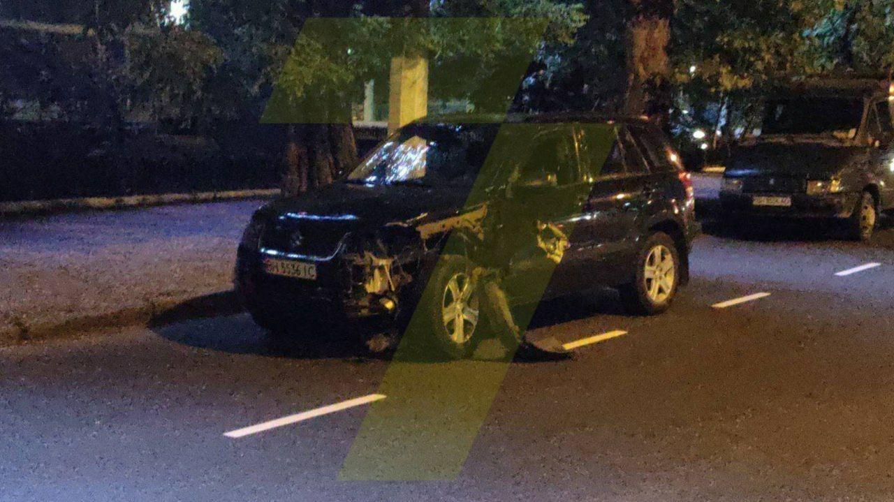 В Одессе пьяный преподаватель-криминалист сбил мотоциклиста (фото, видео) «фото»