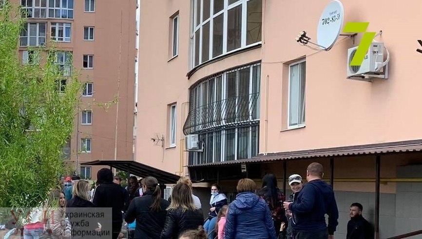 Жители ЖК «7 небо» перекрыли Овидиопольскую дорогу (фото, видео) «фото»