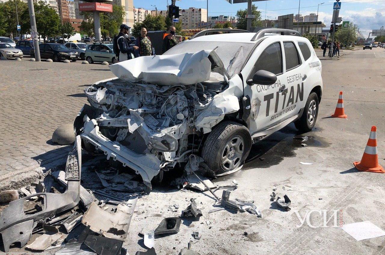 ДТП на поселке Котовского: один автомобиль тушили (фото) ОБНОВЛЕНО «фото»