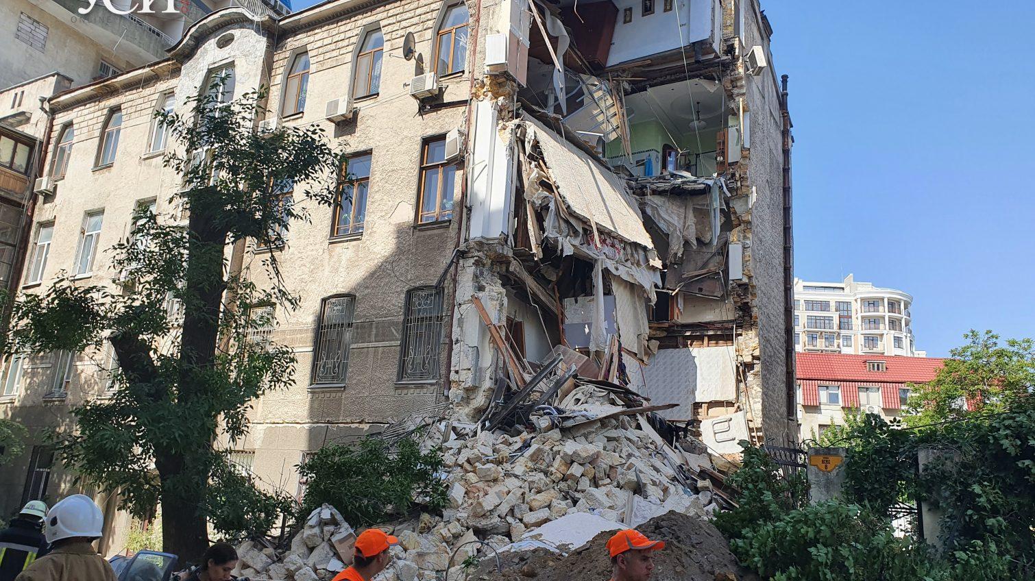 Одесса рушится: в мэрии в обвалах винят самих жильцов «фото»