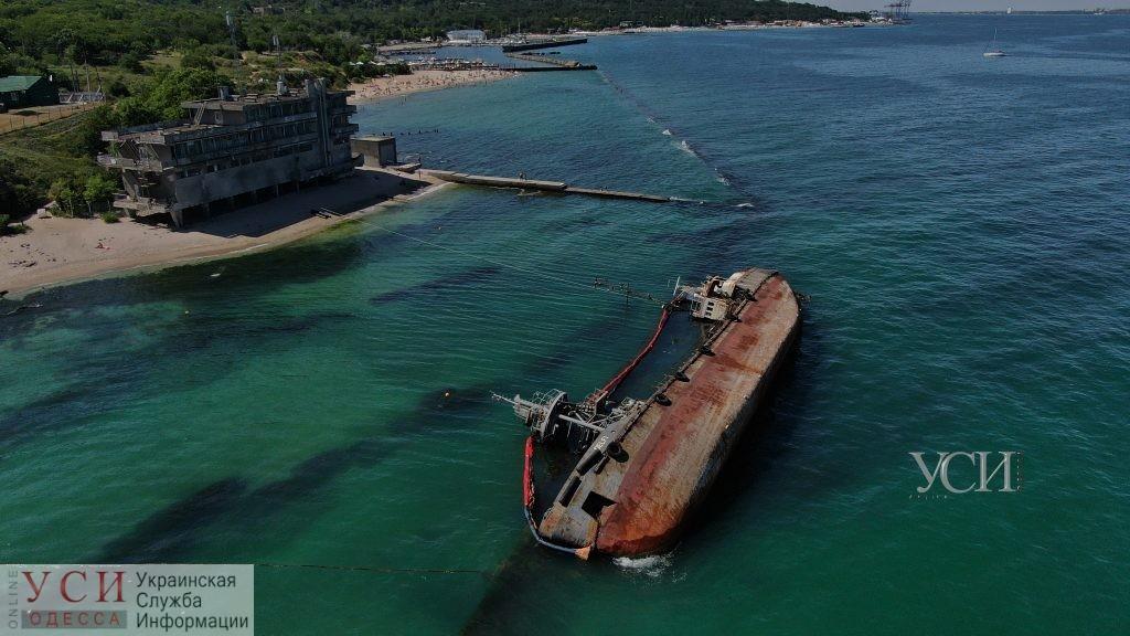 Волокита с Delfi: частный флот предложил властям бесплатную помощь с эвакуацией танкера «фото»