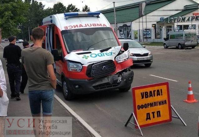 Скорая не довезла в Одессу пациента с коронавирусом из-за ДТП «фото»