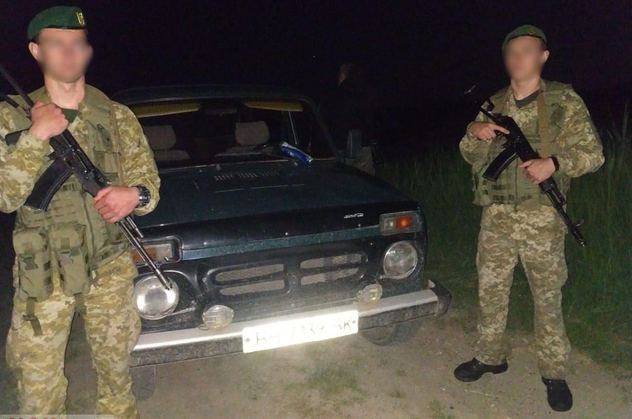 Автомобиль браконьеров сбил пограничника во время задержания (фото) «фото»