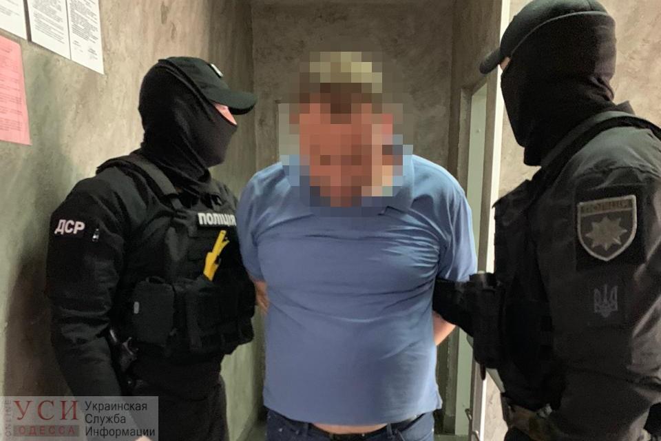 «Работали» с контейнерами: ГБР задержало 4 чиновников Одесской таможни и провело 15 обысков (фото) «фото»