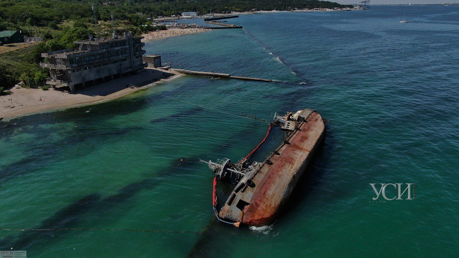 Затонувший Delfi обещают поднять к 20 июля: риск разлома не исключен, а его дальнейшая судьба неизвестна «фото»