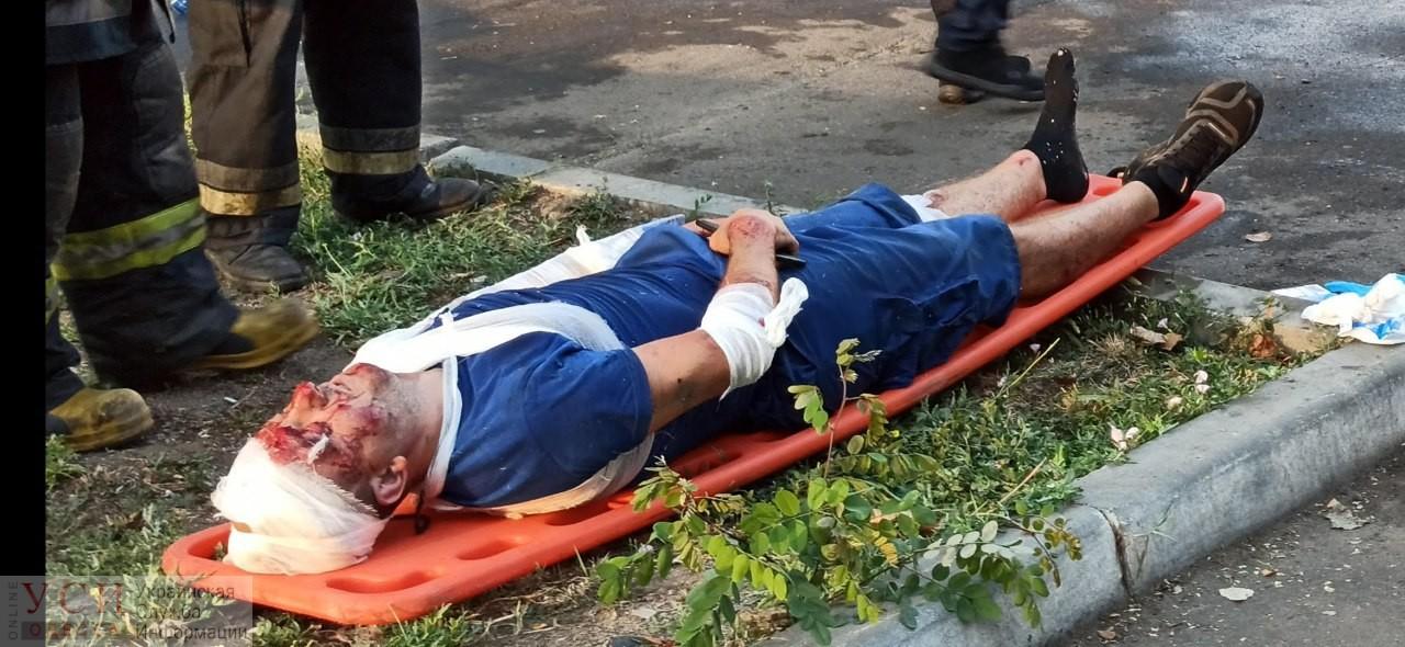 Подробности ДТП с патрульными: полицейские попали в больницу, а ехали на вызов о попытке самоубийства (фото) «фото»