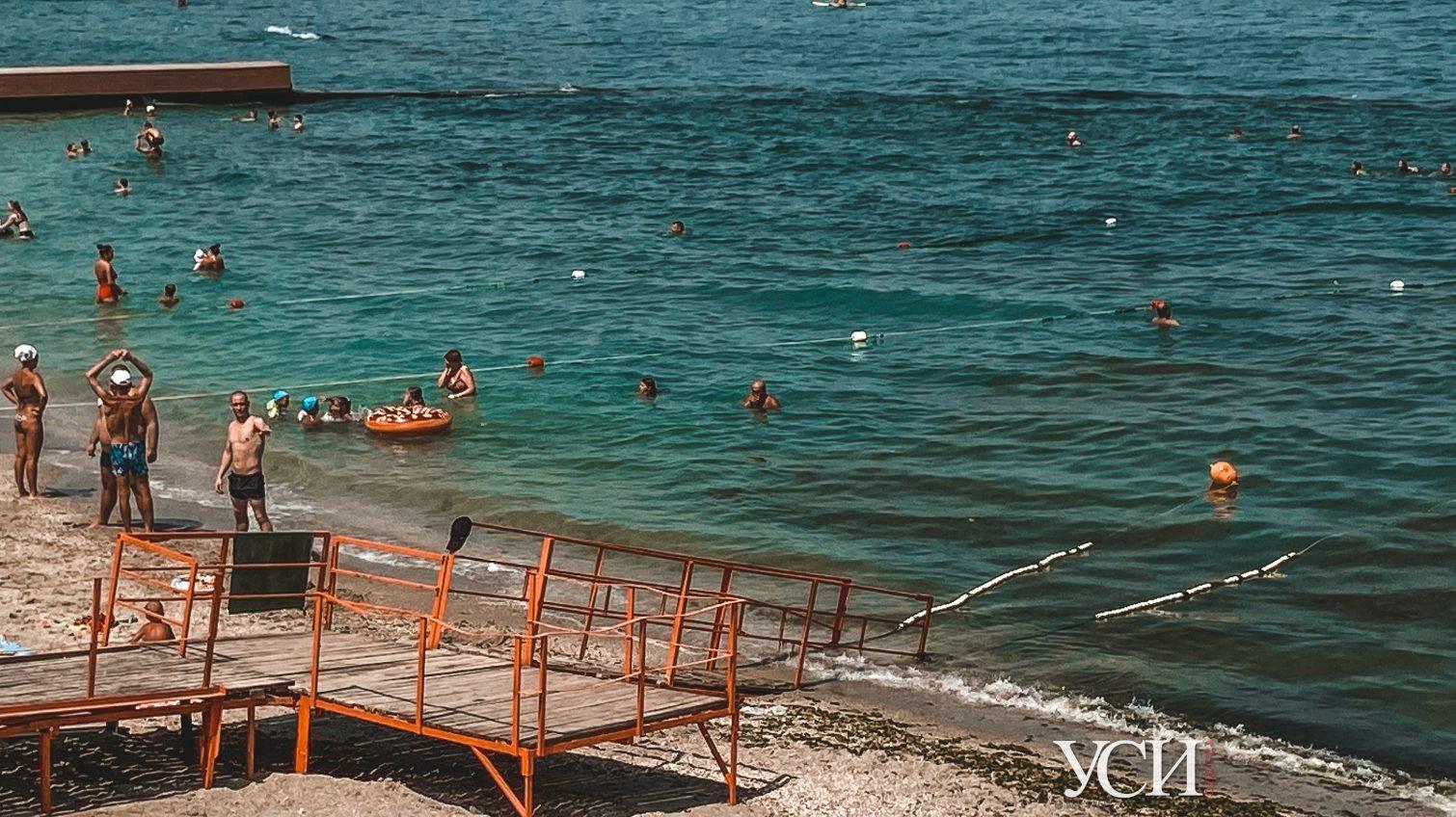 Ржавые перила и пандус в никуда: отреставрированный пляж для инвалидов разваливается на глазах (фоторепортаж) «фото»