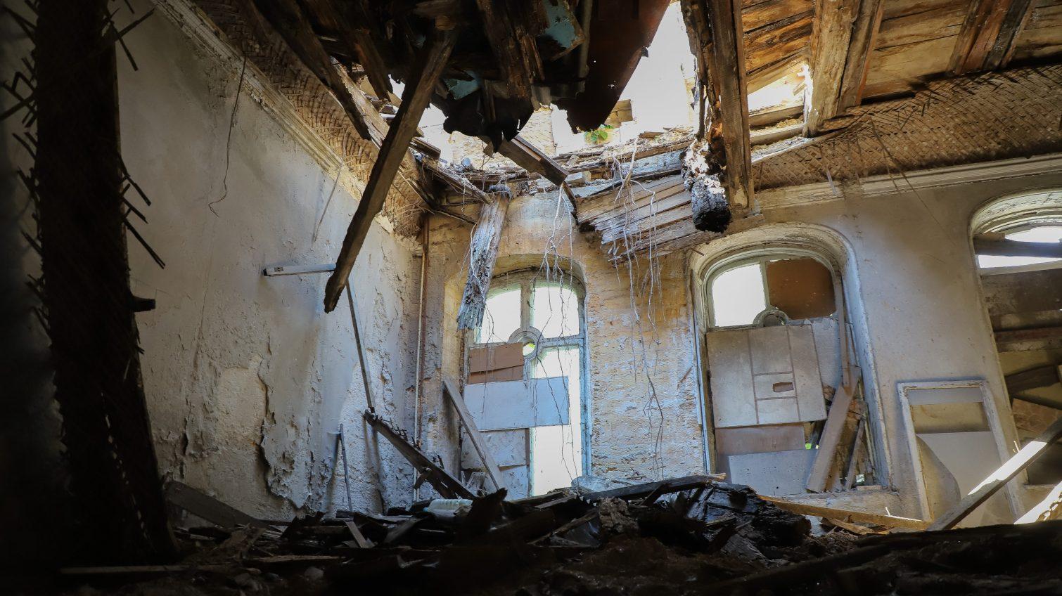 В мэрии обследуют дом Гоголя, который разваливается на глазах (фото) «фото»