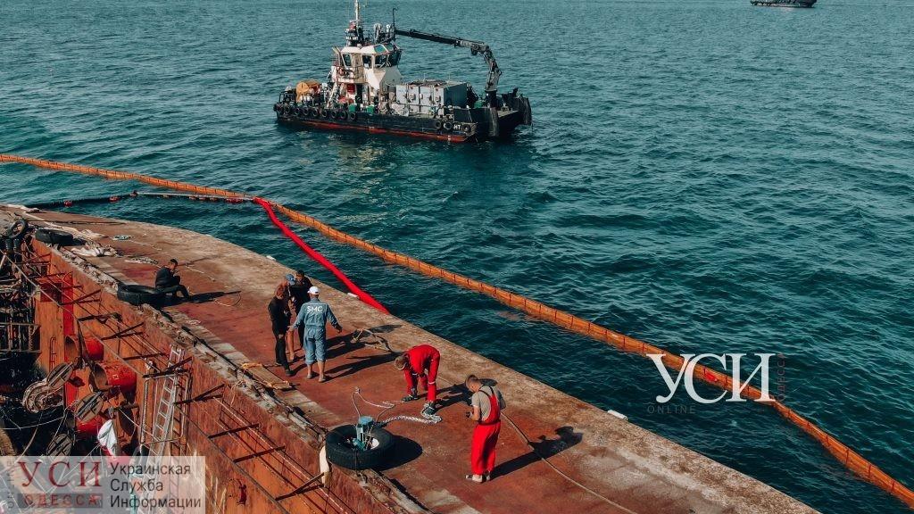 В мэрии назвали причину разлива нефтепродуктов с Delfi «фото»