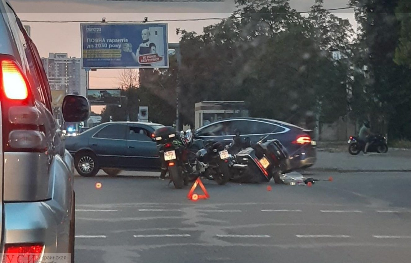Авария на Люстдорфской дороге: пострадал мотоциклист (фото) «фото»