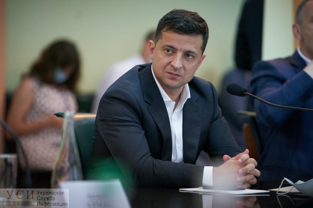 Президенту Зеленскому в Одессе пообещали открыть часть Хаджибейского моста в начале сентября «фото»