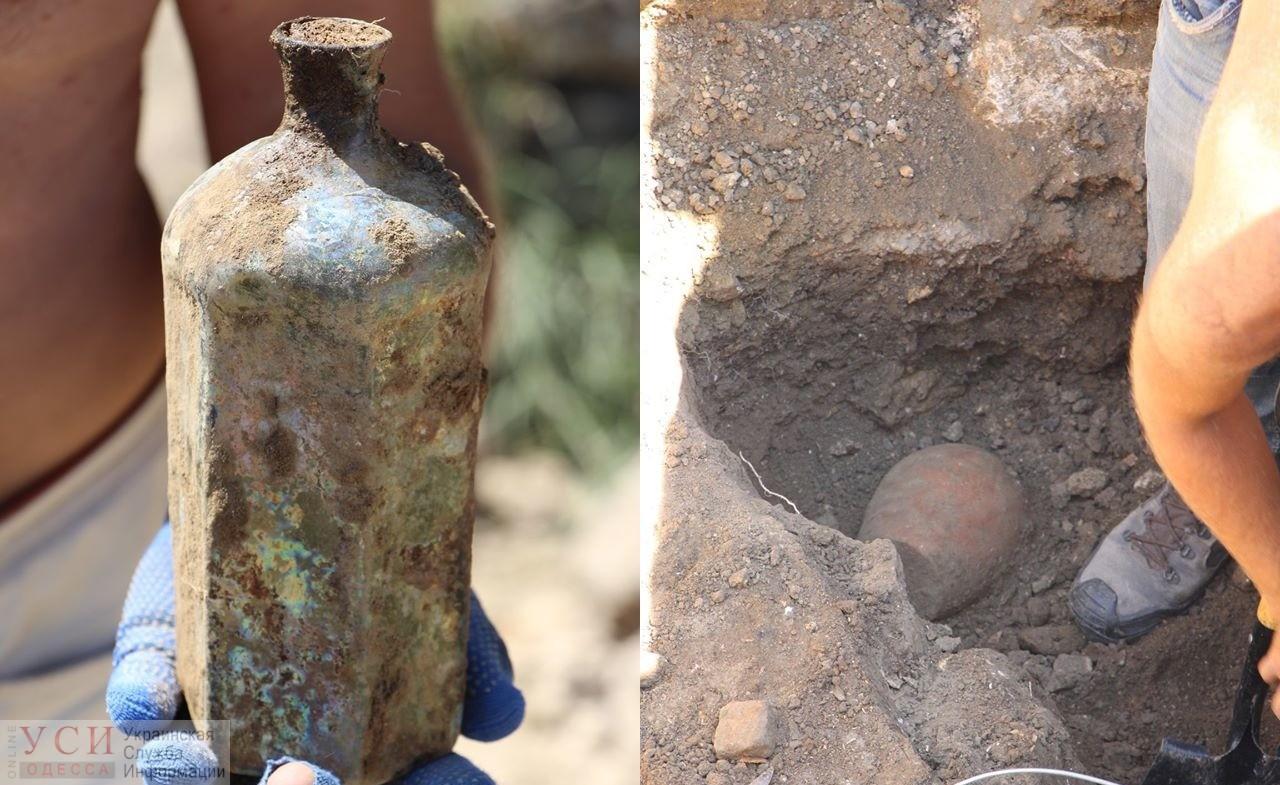 Триста лет выдержки: в Одесской области археологи нашли стеклянную бутылку османских времен (фото) «фото»