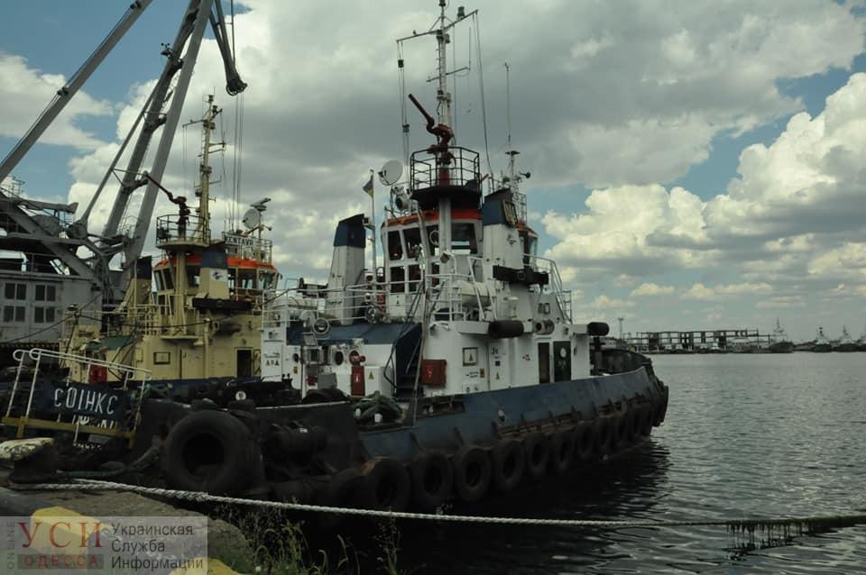 В Одессе после ремонта спустили на воду буксир: на очереди – теплоход (фото) «фото»