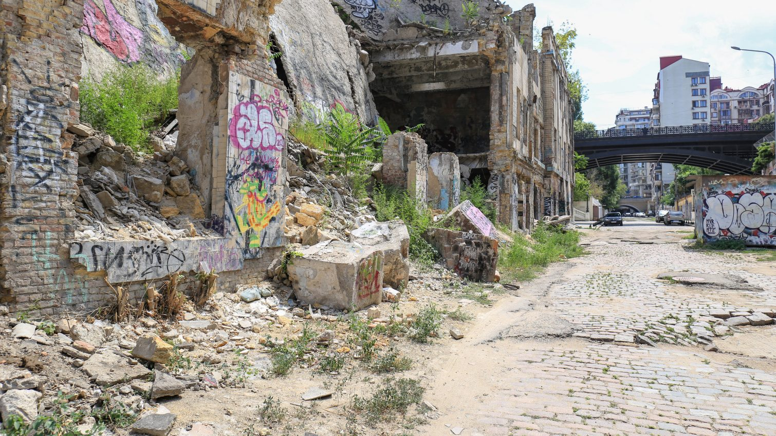 Разруха и горы мусора в самом центре Одессы: Деволановский спуск ждет реконструкции (фото) «фото»